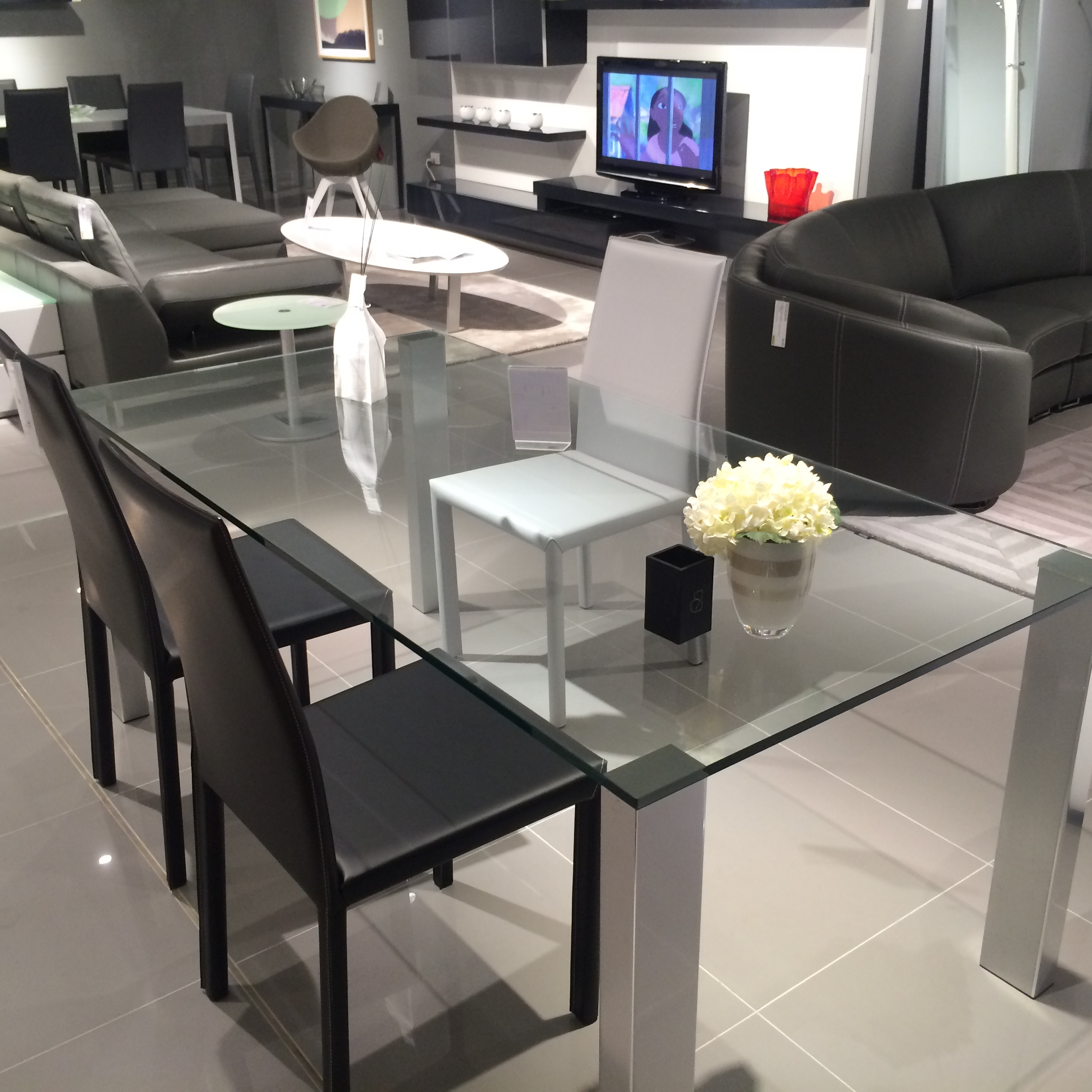 Warehouse clearance classica dining table beyond