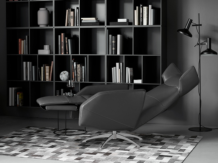 Harvard modern recliner by BoConcept