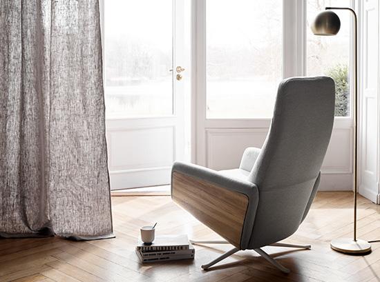 Lucca modern recliner