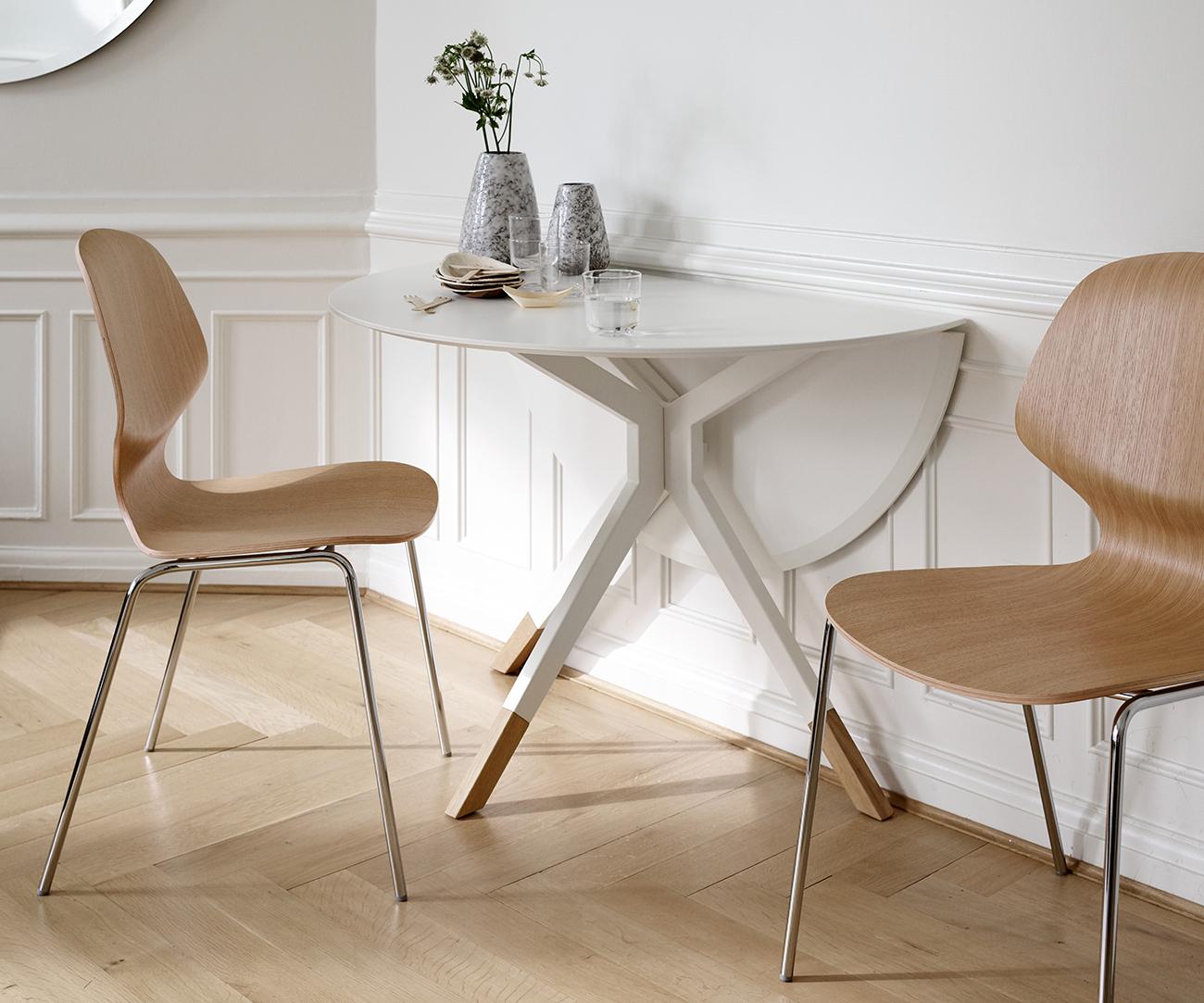 Billund white dining table